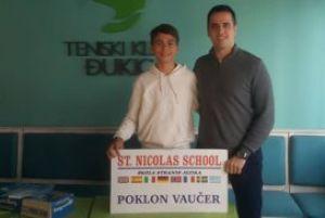 Najboljem članu teniskog kluba Đukić ST NICOLAS SCHOOL je dodelio besplatan kurs stranog jezika